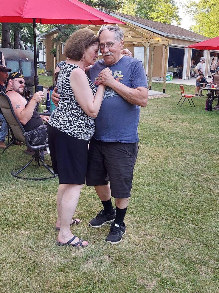 Dennis and Ann Gilbertson 35th anniversary